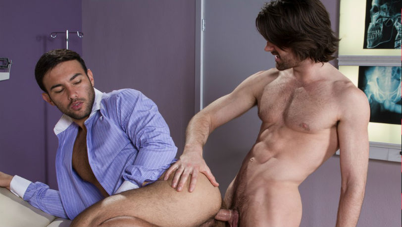 Woody Fox thrusts himself into Dorian Ferro's hole at Hot House