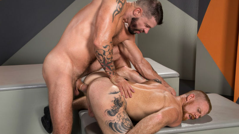 Tex Davidson drills Jack Vidra's hole with full power at Raging Stallion