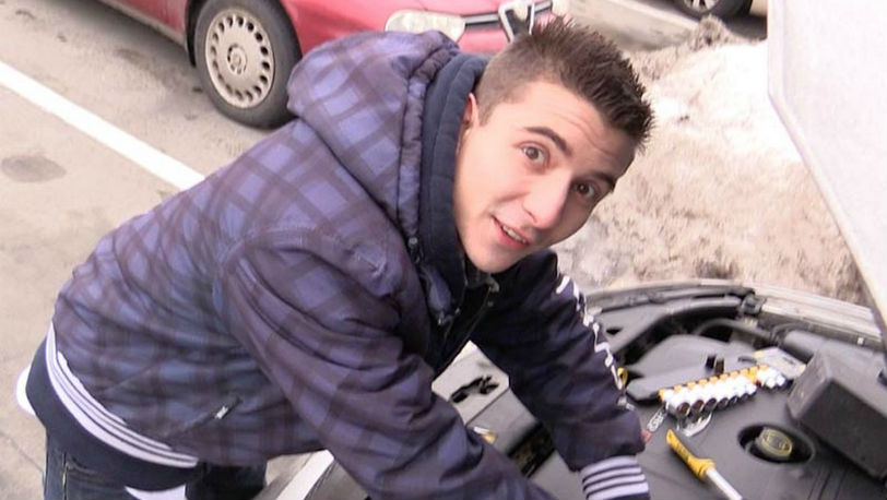 Lukas needs some extra cash for his car battery at Czech Hunter