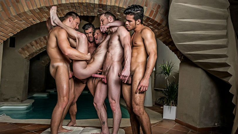 Muscle hunk Brian Bonds' bareback gangbang at Lucas Entertainment