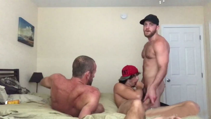 Hot skater boy with a fat nine incher and a sexy daddy fuck Deviant Otter