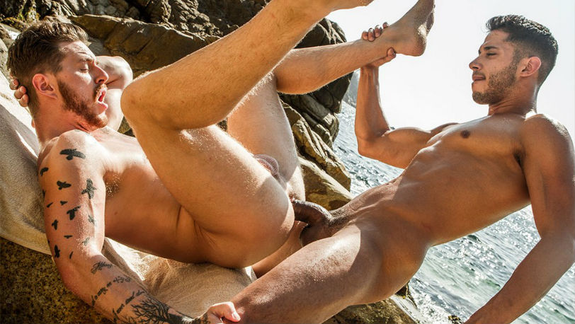Muscle hunk Drae Axtell Tops Josh Rider Raw at Lucas Entertainment
