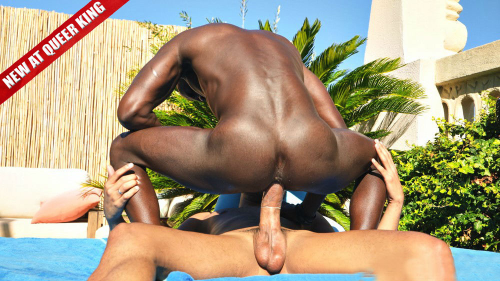 Emanuel Rucci gives his big golden cock to Peter Connor's hungry hole at TimTales