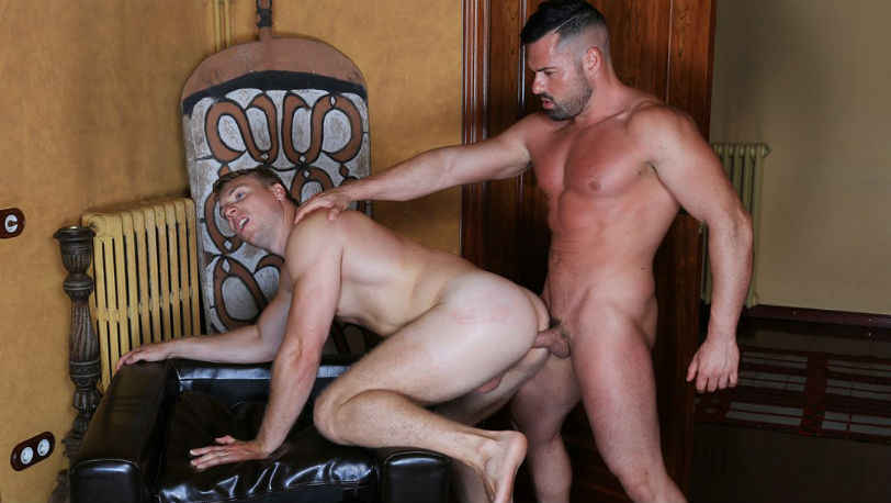 Kristen Bjorn : Muscle hunk Torsen Wolf is Gabriel Lunna's new hot fuck buddy