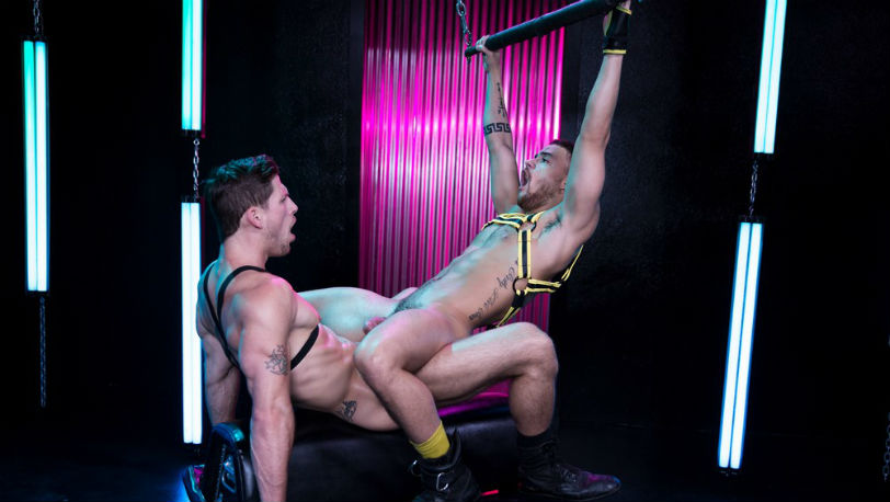 """Roman Todd gets deep inside Beaux Banks' bubble butt in """"Get Lit"""" part 1 from Hot House"""