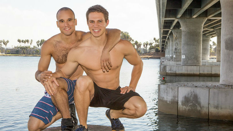 Sean Cody : Muscle hunk Frankie was more than happy to pop Derick's cherry