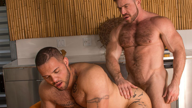 "Liam Knox sucks handyman Julian Knowles big cock in ""BEEF"" part 4 from Titan Men"