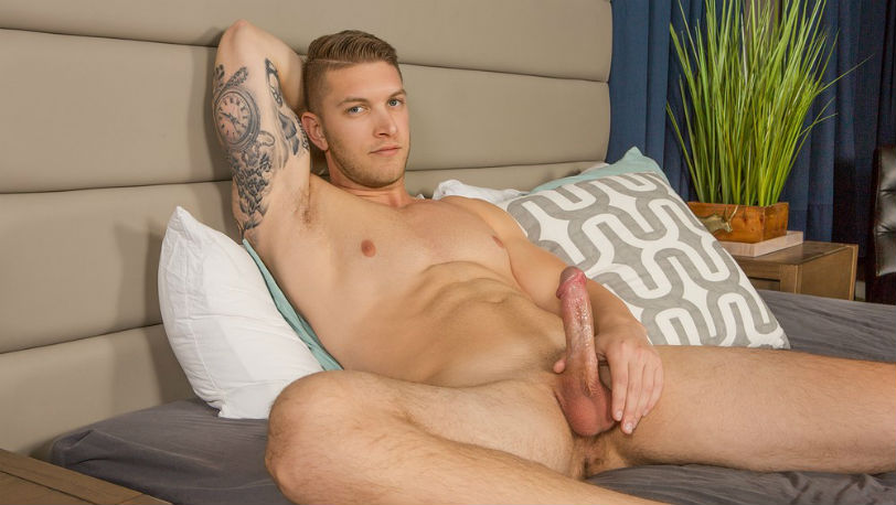New hunk Kasey is a horny stud with a great body, who just wants to release - Sean Cody