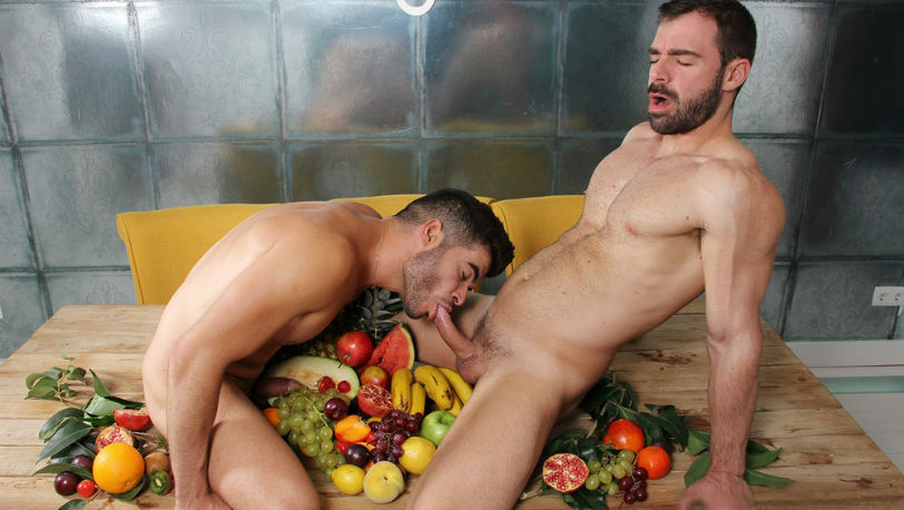 "Muscle hunk Jose Quevedo gets fucked by Tonny Scott in ""Juicy"" from kristen Bjorn"