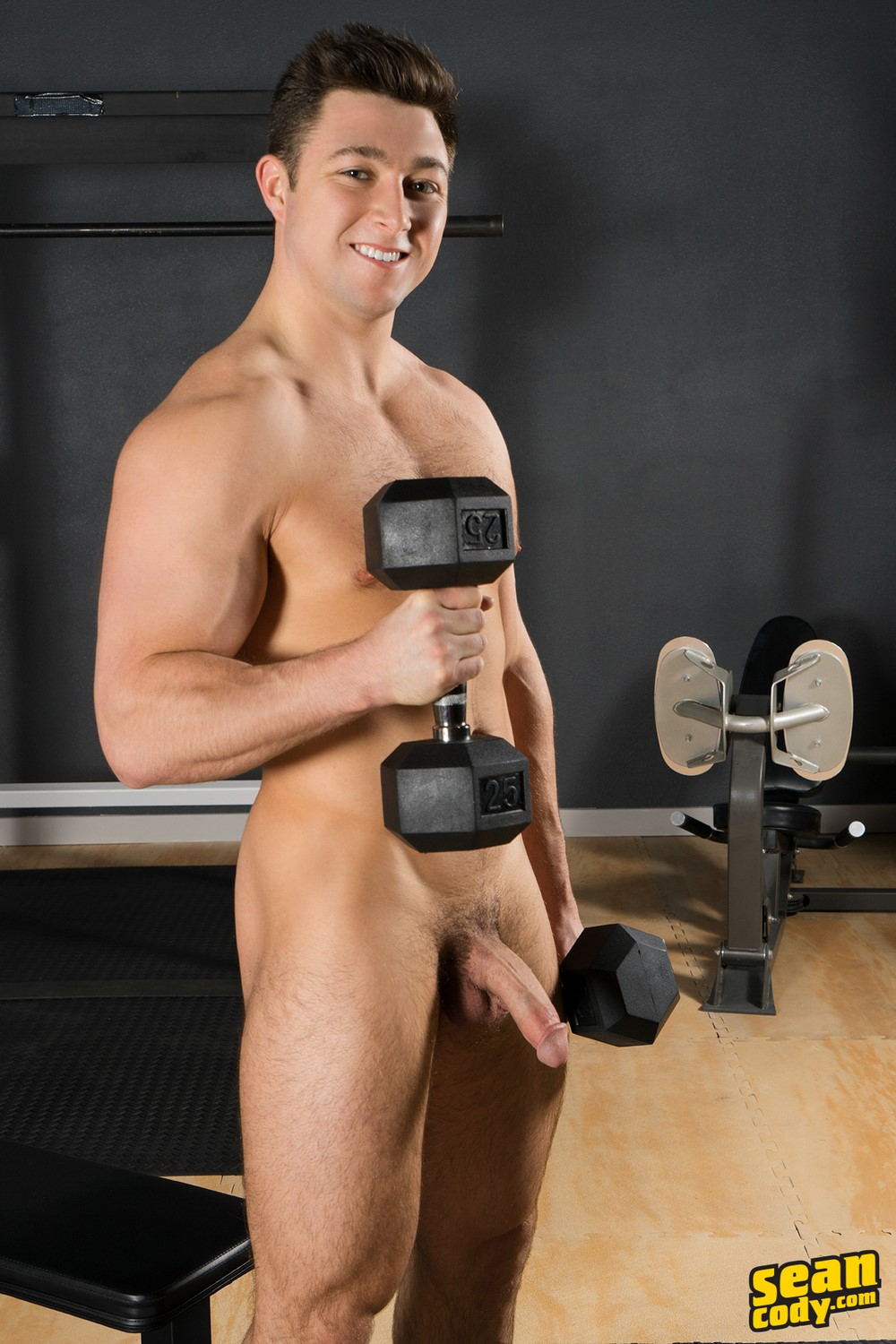 Muscle man hunk cody blows