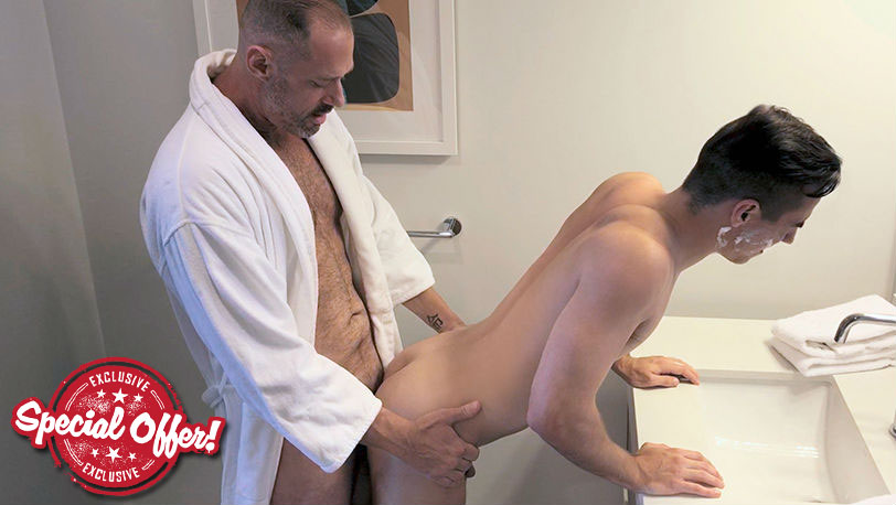 Family Dick : Stepdad's Boyfriend Chapter 2 - A Closer Shave