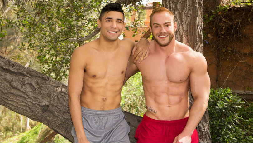 Muscle hunk Brock returns to Sean Cody to test the dild-o-wall and get a taste of Joe's tight ass