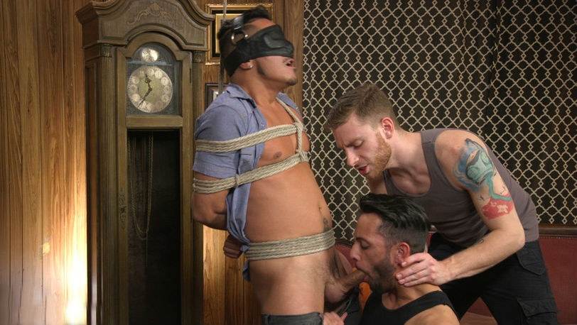 Cesar Xes gets his huge cock sucked and edged at KinkMen.com