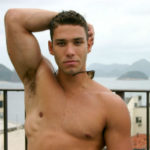 Big muscled Brazilian hunk Juniorboy is all that and more - PapiCock